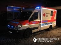 Rettungswagen Rotkreuz Karlsruhe 4/83-3 bei Nacht.